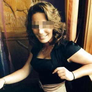 Parisienne exilée à Rennes, aimerait tuer l'ennui lorsqu'elle rentre du travail en soirée